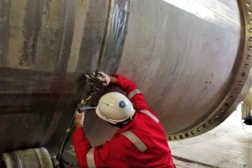 Arise Global's branch in UAE Blue Horizon Services performing PAUT inspection using Dual Matrix Array for heavy wall stainless steel vessel.